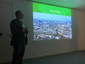 Alfons Finkers van de gemeente Den Haag vertelt dat het fysieke domein meer is dan een opeenstapeling legoblokjes. Betrokkenheid van inwoners is nodig om een vitale leefomgeving te creëren.